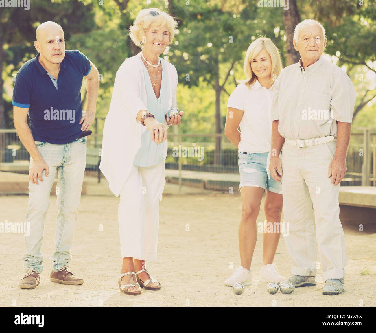group mature outdoor