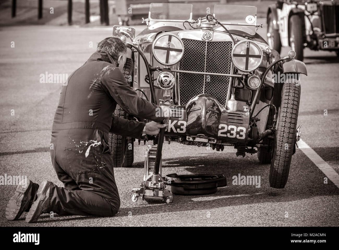 Vintage Car Mechanic Stock Photos & Vintage Car Mechanic Stock ...