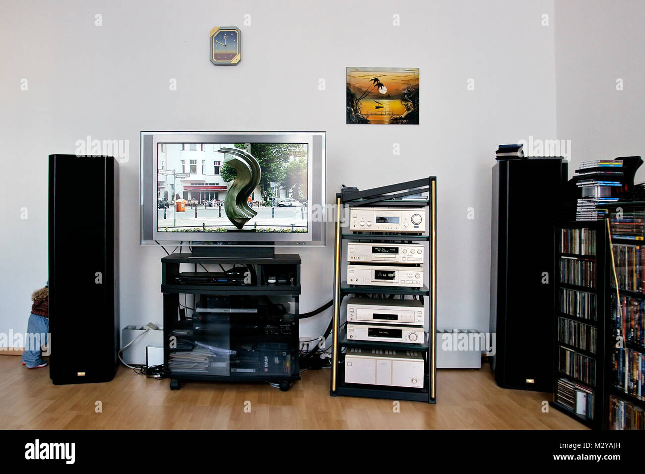 Dvd Schrank Stock Photos & Dvd Schrank Stock Images - Alamy