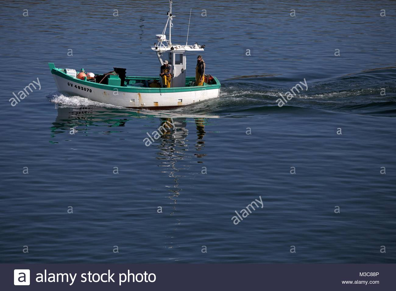 Guilvinec stock photos guilvinec stock images alamy for Fast fishing boats