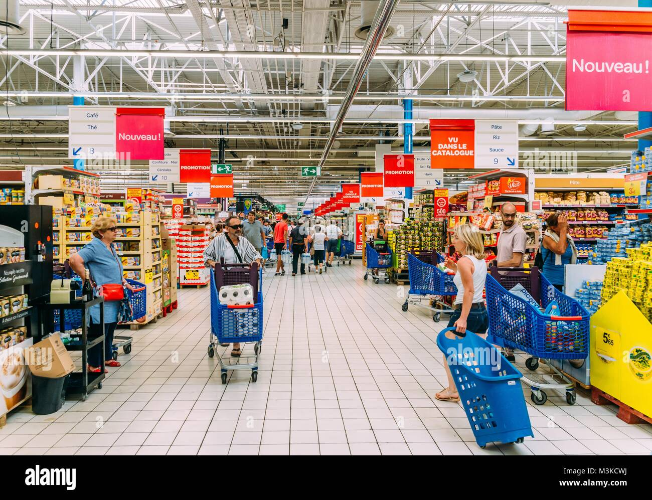 carrefour is one of the largest Since its founding in 1958, carrefour has become one of the world's leading retailers and one of the largest fast-moving and exciting hypermarkets in the.