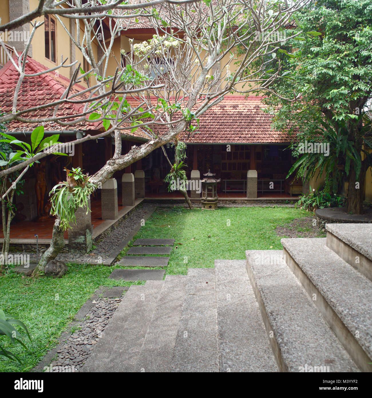 Balinese Backyard Designs balinese backyard, gardening design stock photo: 174561942 - alamy
