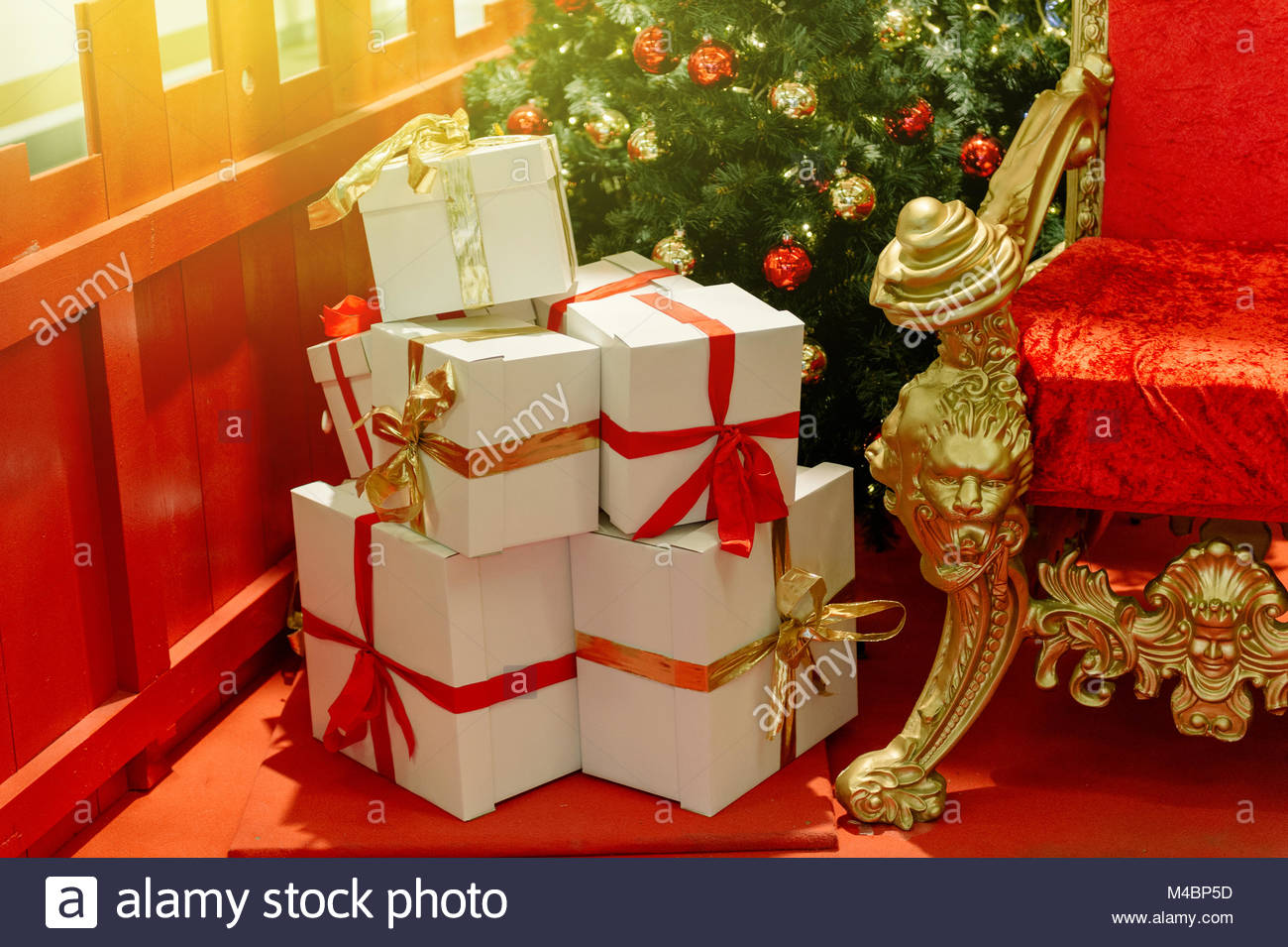Elegant Christmas gifts warped in white paper Stock Photo: 174821177 ...