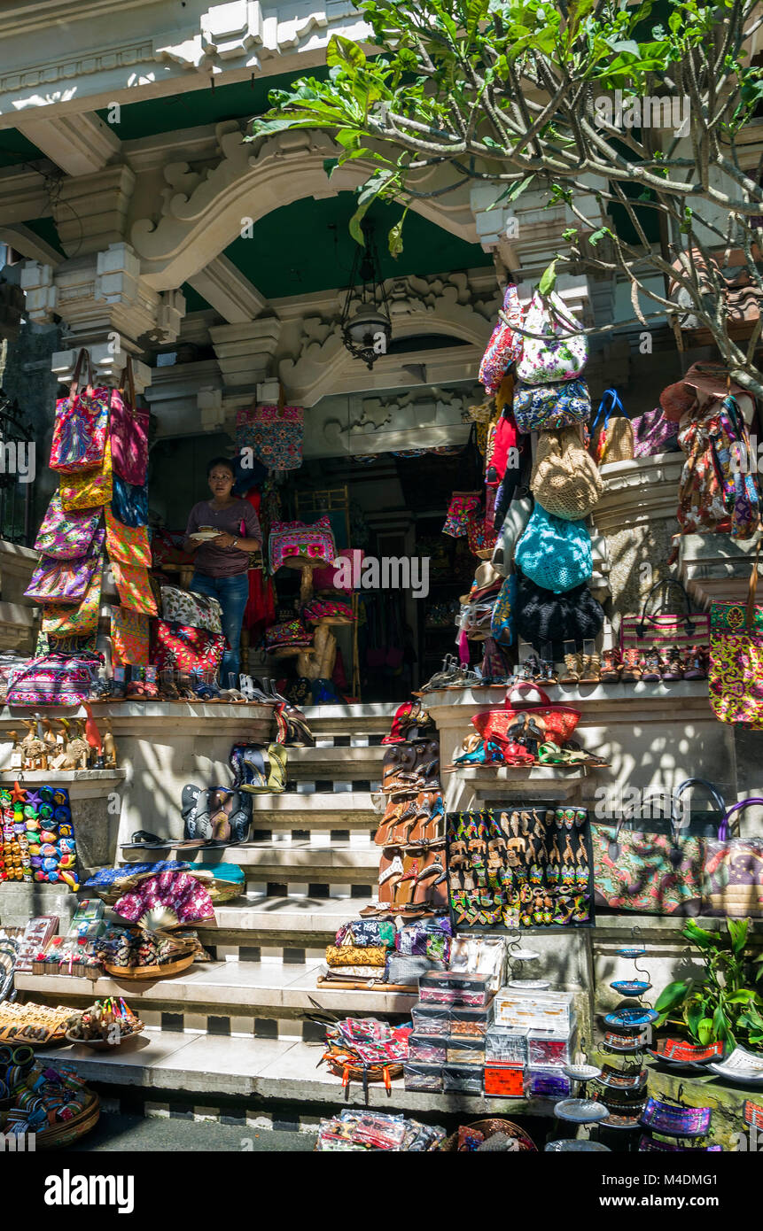 Ubud Bali March 18 Typical Souvenir Shop Selling Souvenirs And