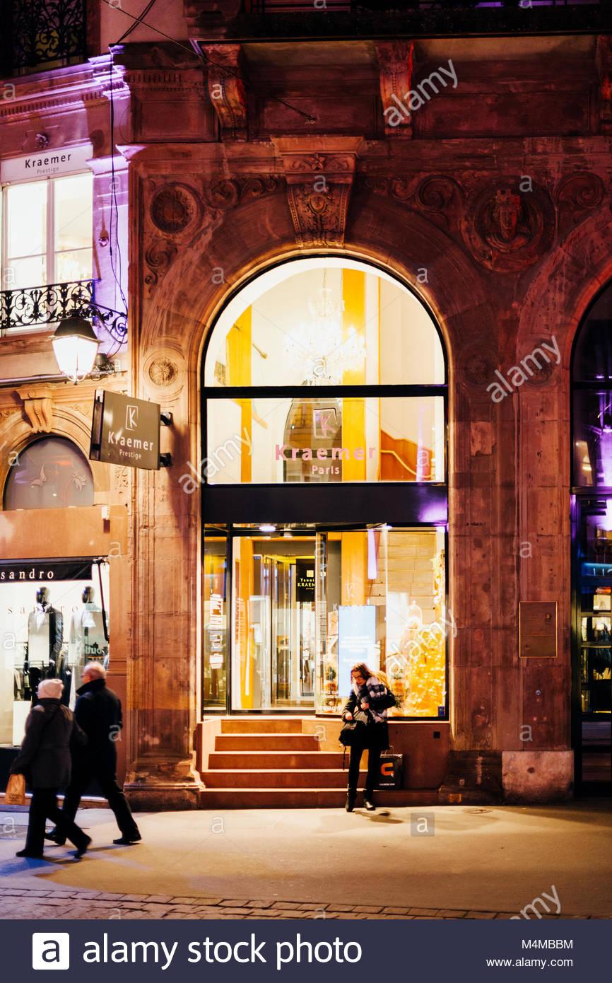 Paris salon stock photos paris salon stock images alamy for Hair salon paris france