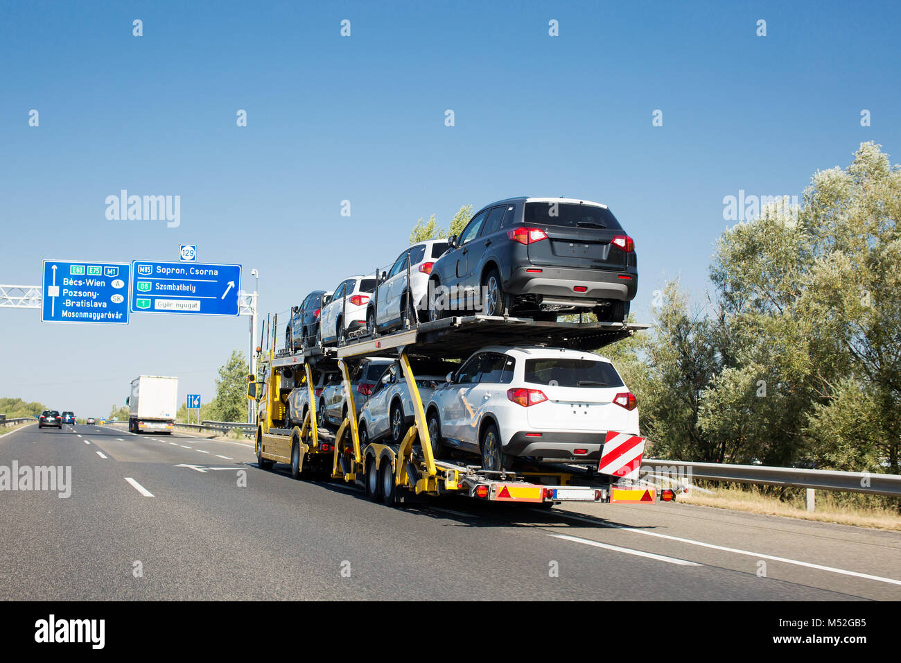 Car Carrier Trailer Truck Stock Photos & Car Carrier Trailer Truck ...
