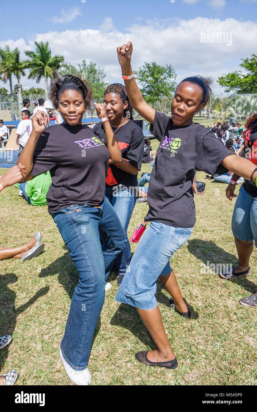 Black teen girls dancing