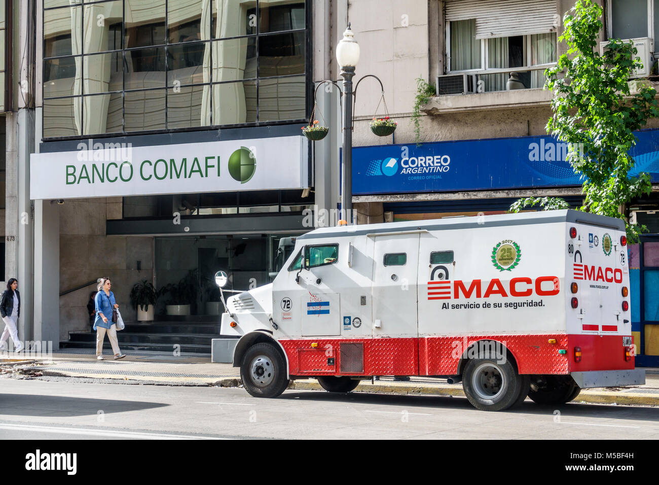 Banco Exterior: Armored Truck Stock Photos & Armored Truck Stock Images