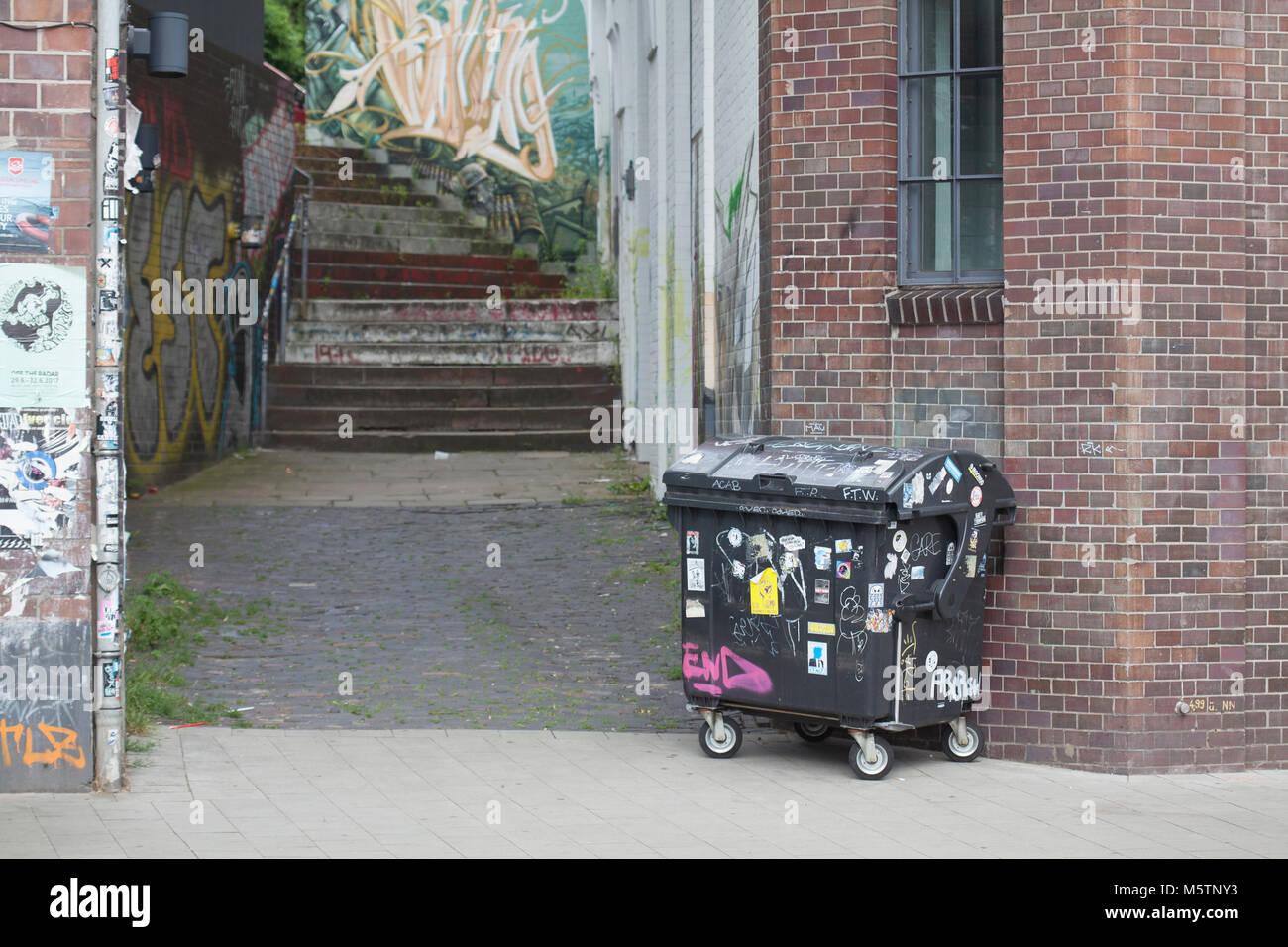 Treppenrenovierung Hamburg garbage container stair and house walls in hamburg altona hamburg