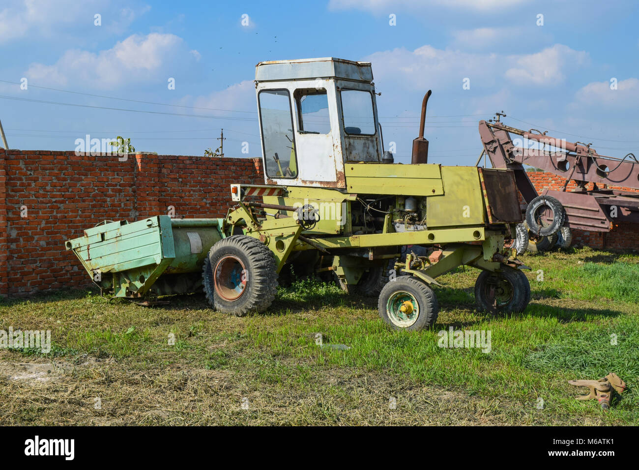 Hay Lift For Truck : Hay truck stock photos images alamy