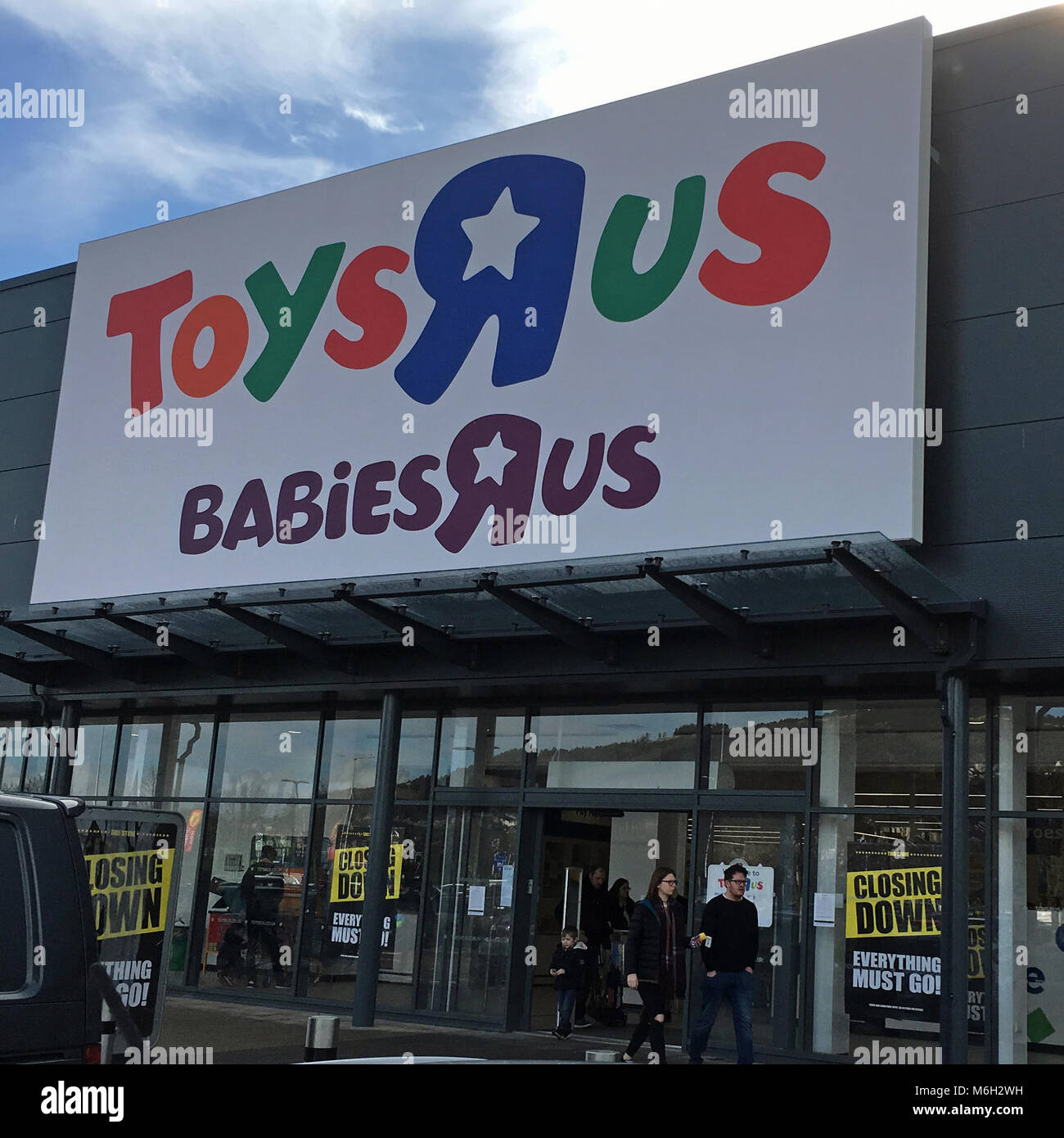 Swansea Uk 4th March 2018 Toys R Us In Receivership And Closing