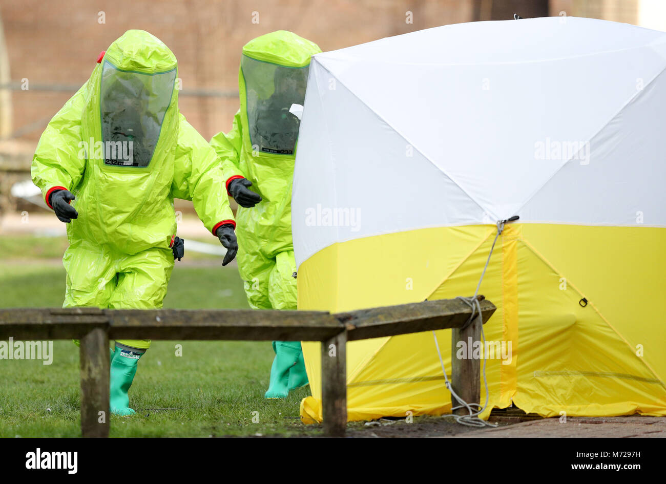 Personnel in hazmat suits work to secure a tent covering a bench in the Maltings shopping & Hazmat Suits Stock Photos u0026 Hazmat Suits Stock Images - Alamy