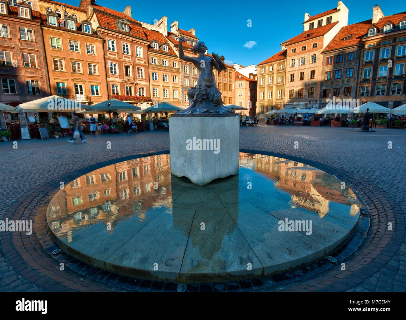 Symbol of warsaw stock photos symbol of warsaw stock images alamy statue of mermaid syrenka symbol of warsaw at the old town market square biocorpaavc