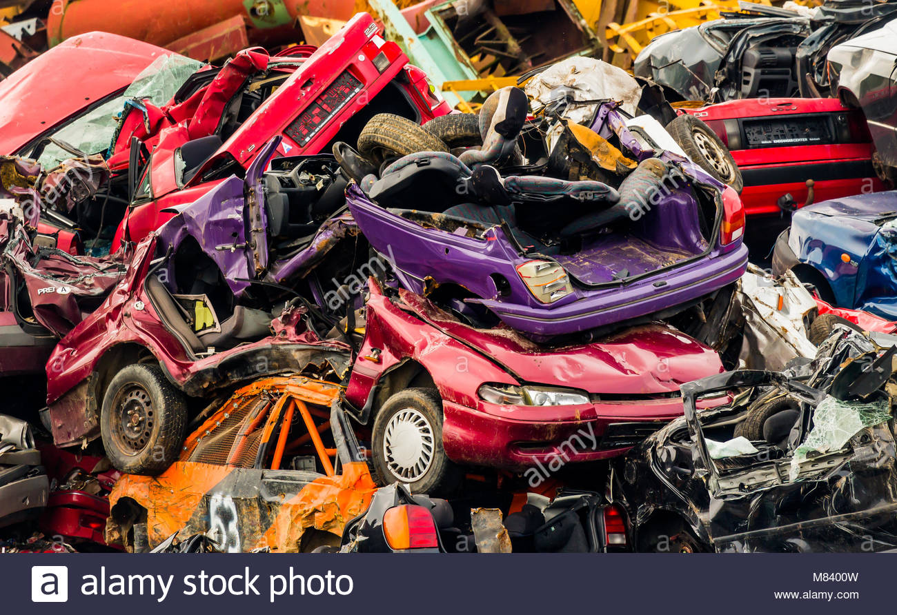 old cars on a junkyard Stock Photo: 177108761 - Alamy