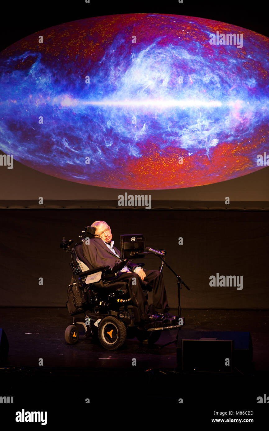 a biography of stephen hawking an english physicist British physicist stephen hawking, who was at the forefront of unraveling the secrets of the universe, died at the age of 76 on wednesday (march 14) the famed scientist, who was regarded as a genius, spent most of his life in a wheelchair due to a motor neurone disease called amyotrophic lateral.