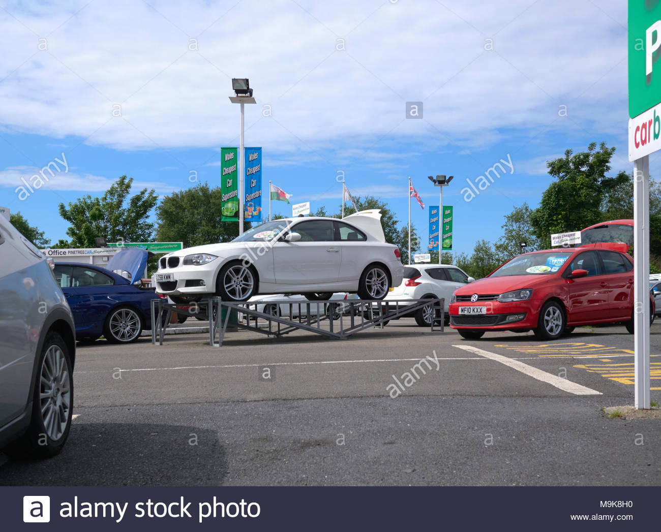 Used Cars For Sale Stock Photos & Used Cars For Sale Stock Images ...