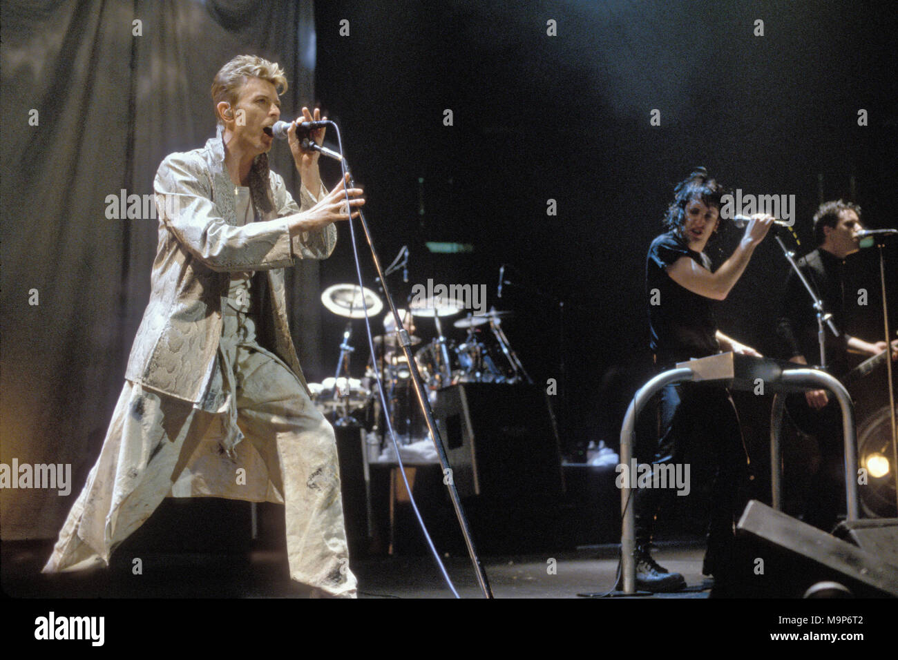 East Rutherford Nj September 27 David Bowie Performs With Trent