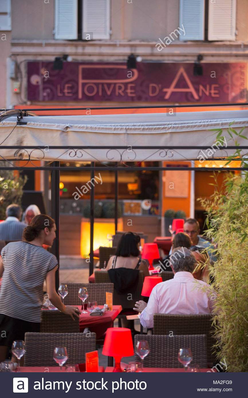 Le Poivre D Ane Aix the pub 'le poivre d'ane', aix stock photo: 178306361 - alamy