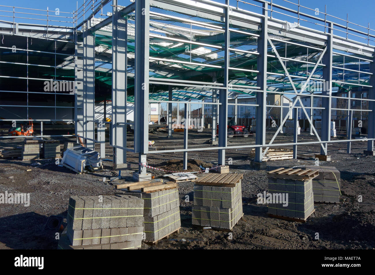 Retail units construction at St. Catherine\'s Retail Park Perth at ...