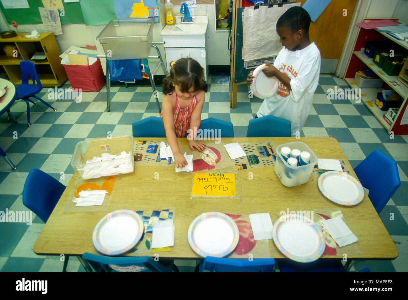Preschool Lunch Table On Grammar Elementary And Preschool Students Prepare For Eat Lunch In School