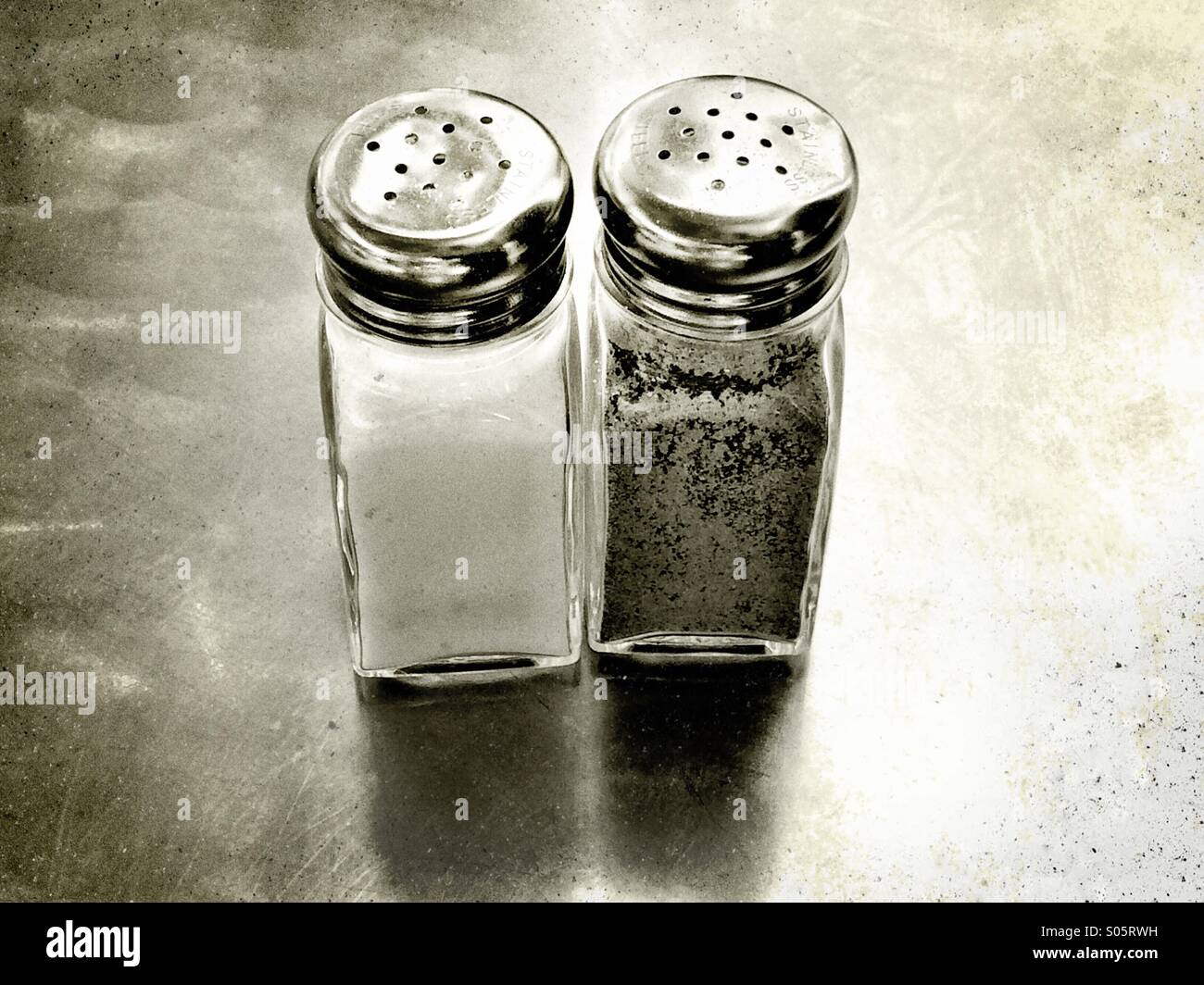 salt-and-pepper-shakers-S05RWH.jpg