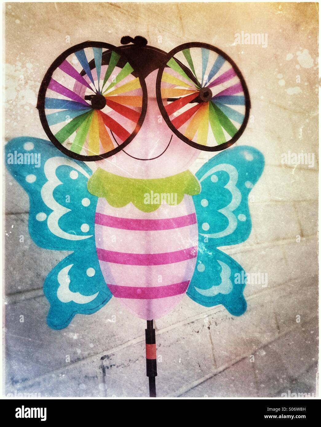 Butterfly lawn ornaments - Cute And Colorful Butterfly Lawn Ornament With Big Spinning Eyes