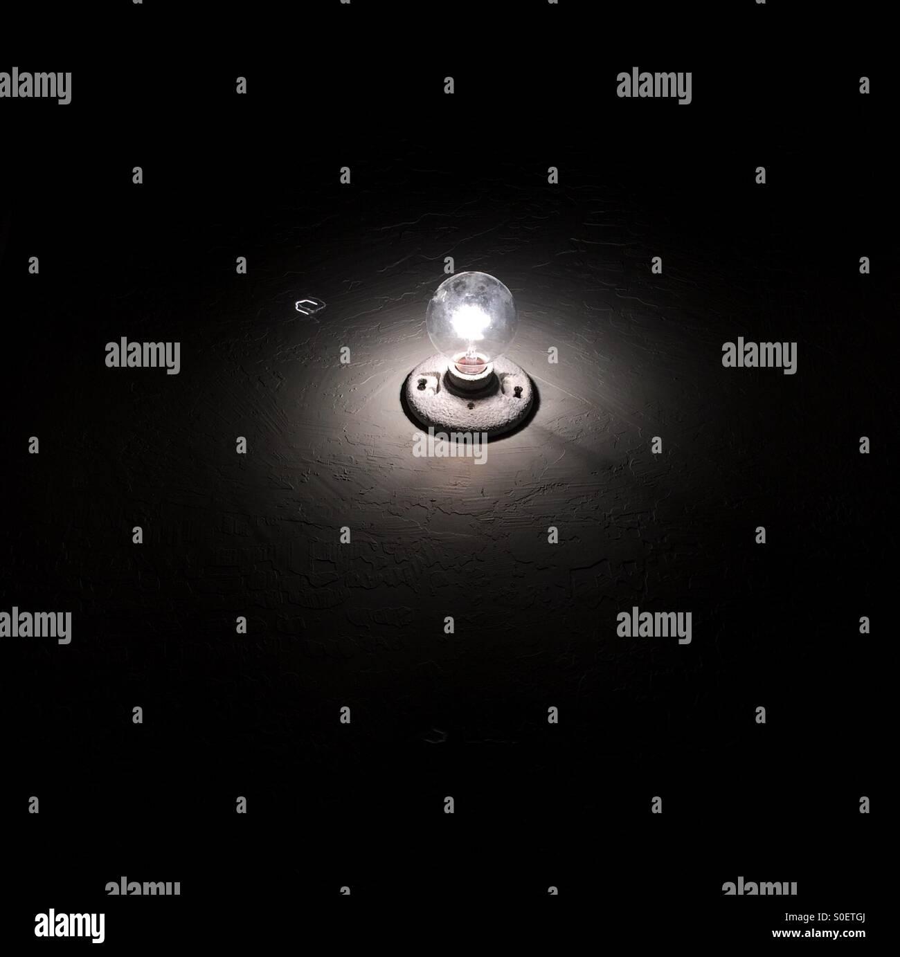 Dark room with light bulb - Light Bulb In A Dark Room