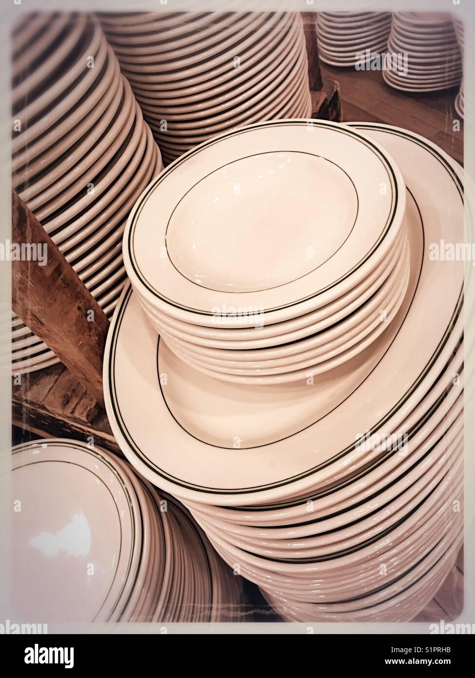 Plates on display in Fishs EddyNYC  sc 1 st  Alamy & Plates on display in Fishs EddyNYC Stock Photo Royalty Free Image ...
