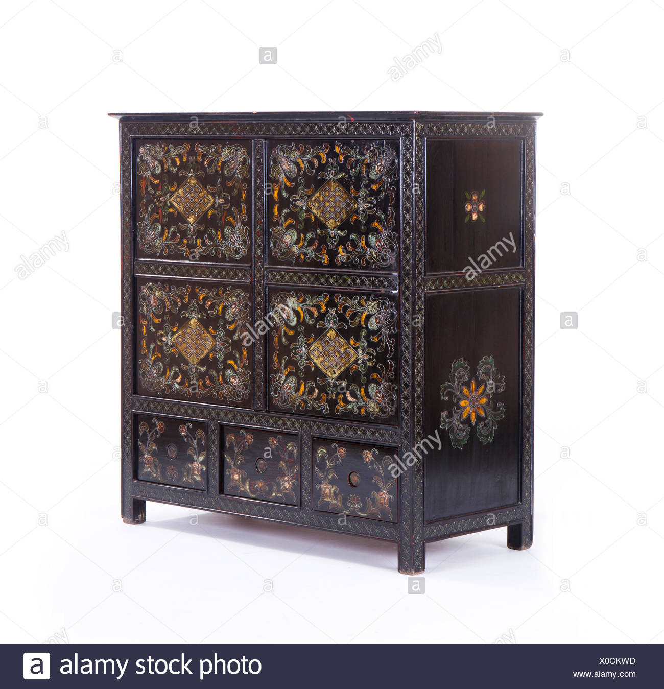 Antique Chinese cabinets - Antique Chinese Cabinets Stock Photo: 275644921 - Alamy
