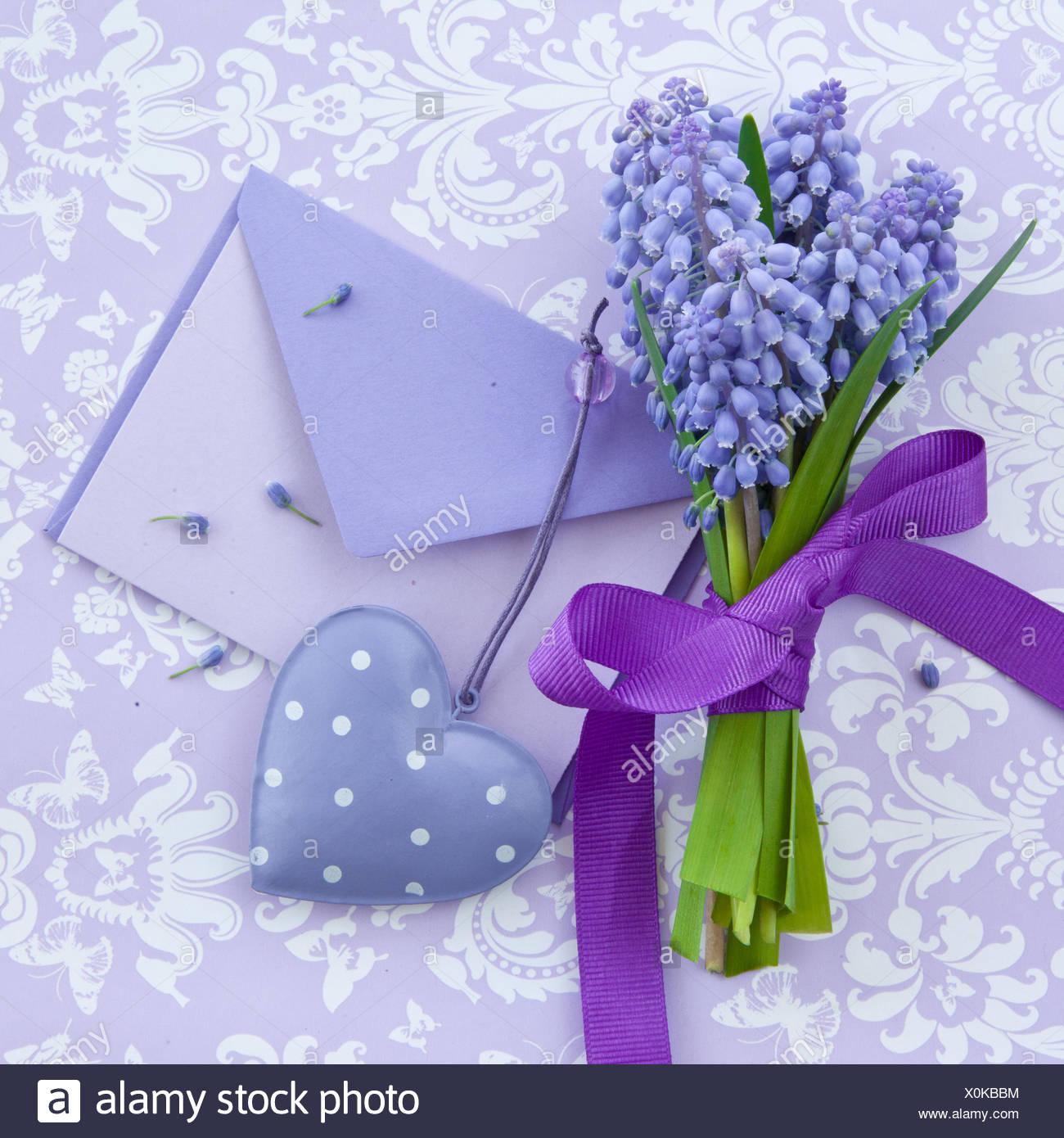 briefumschläge lila