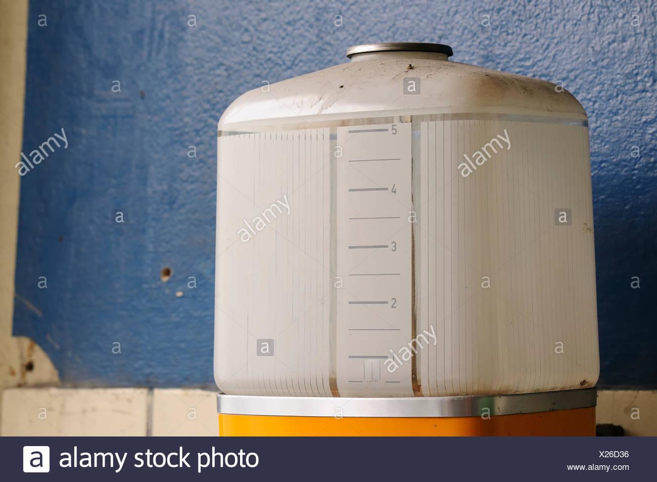 Warmwasserboiler Stock Photos & Warmwasserboiler Stock Images - Alamy