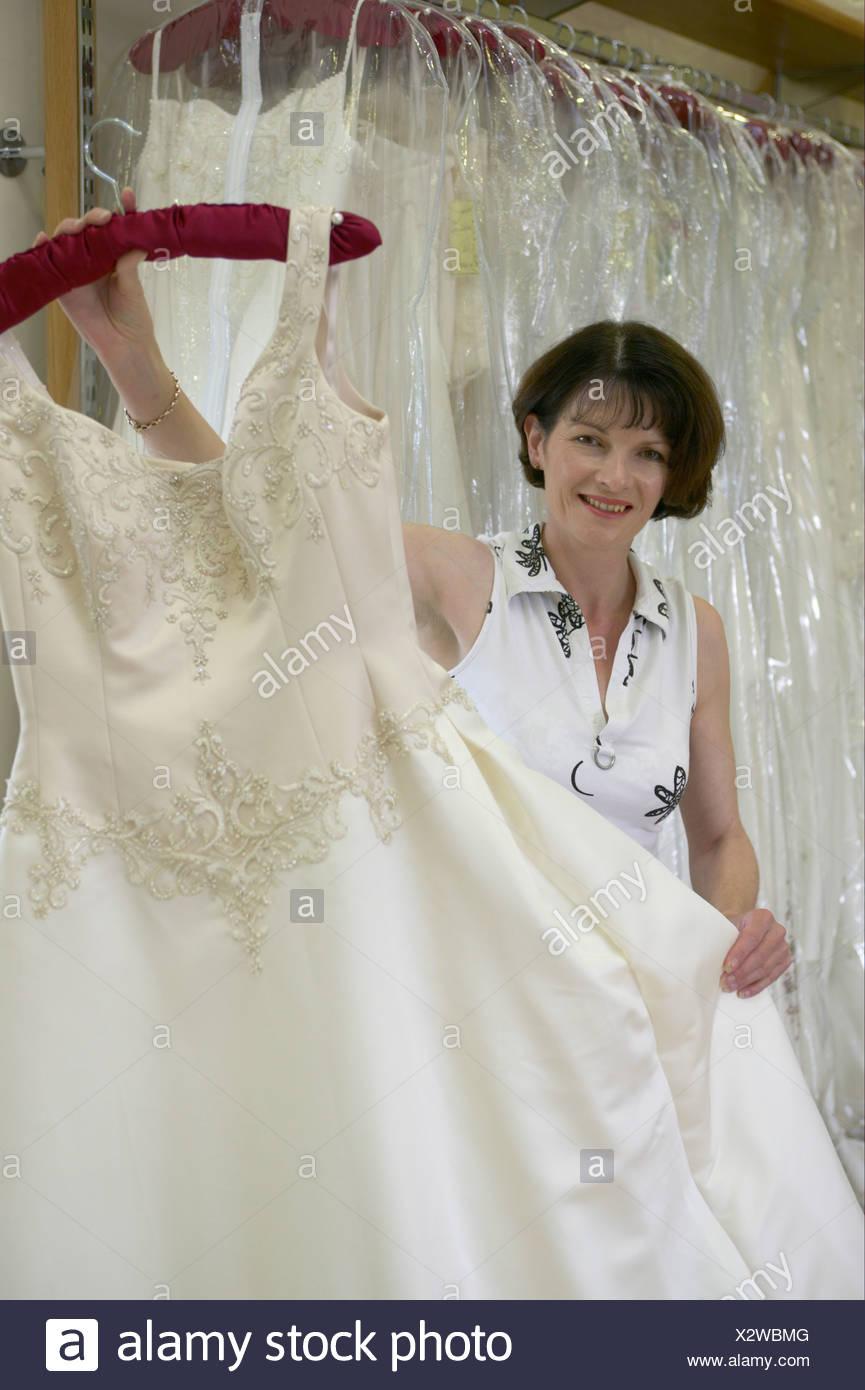 Groß Hochzeitskleid Geschäfte Yorkshire Fotos - Hochzeit Kleid Stile ...