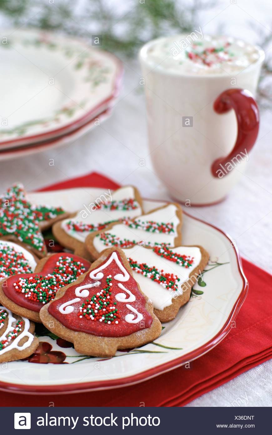 gingerbread cookies decorated for christmas with icing and sprinkles - Decorating Cookies With Sprinkles For Christmas