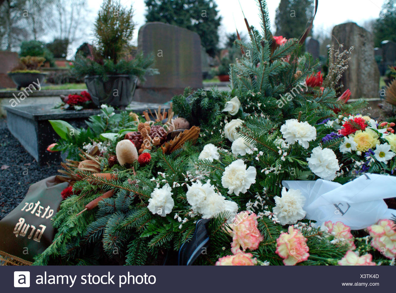 Flowers greetings stock photos flowers greetings stock images alamy fresh grave with flowers and farewell greetings stock image kristyandbryce Choice Image