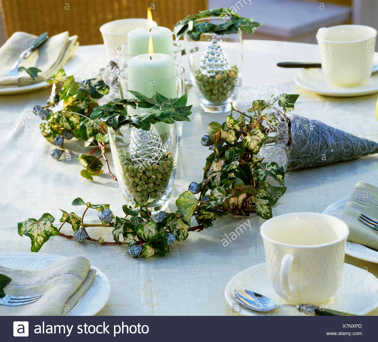 christmas table decoration in silver - Silver Christmas Table Decorations