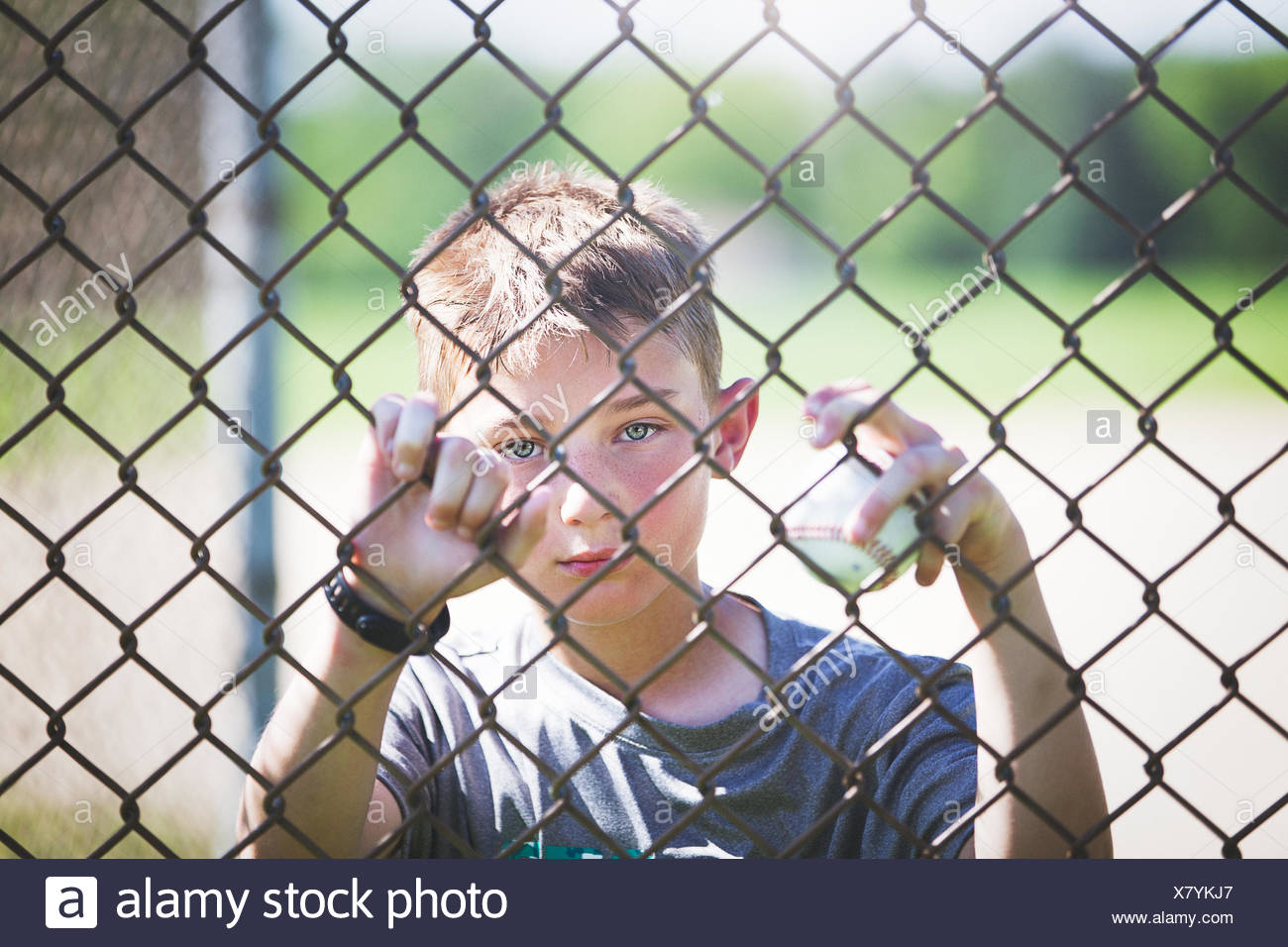 Boy On Wire Fence Center Details About Bmw E46 Instrument Cluster Panel Circuit Board 6911308 View Through Chicken Of Looking At Camera Stock Photo Rh Alamy Com