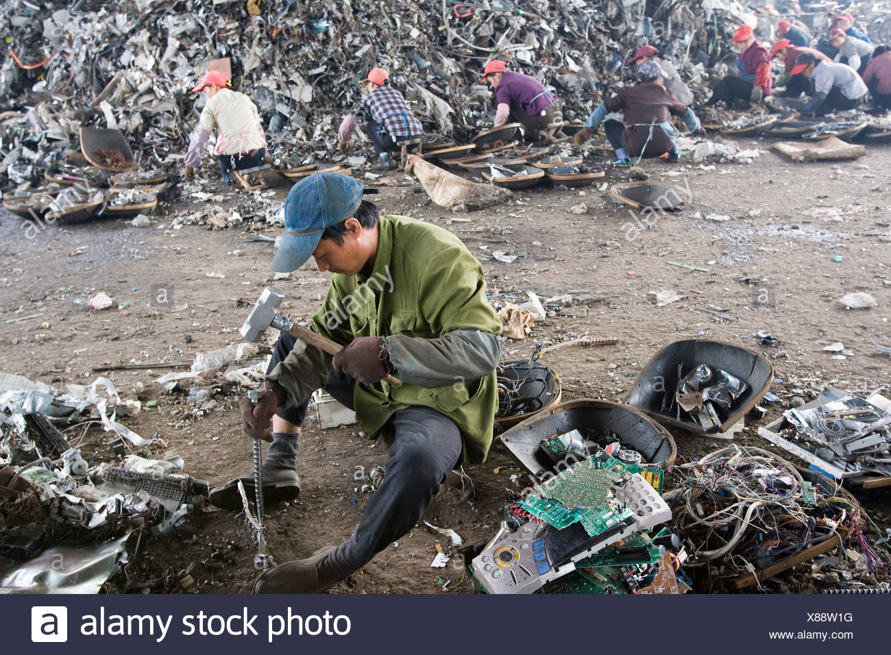 Electronics Scrap Recycling In China Stock Photo 280478396 Alamy Pictures