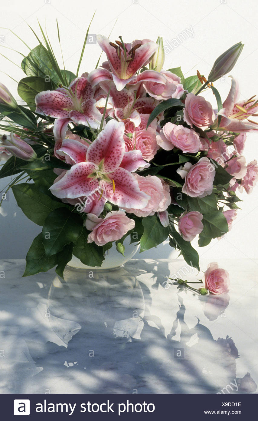 Bouquet With Lilies And Roses Stock Photo 281193402 Alamy