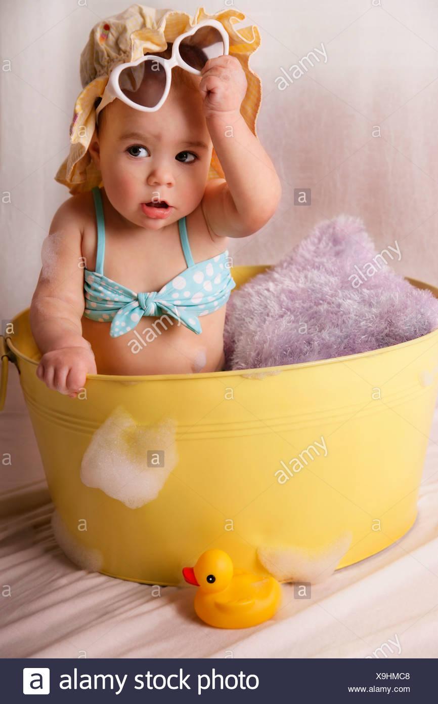 Baby in a bathtub Stock Photo: 281287000 - Alamy