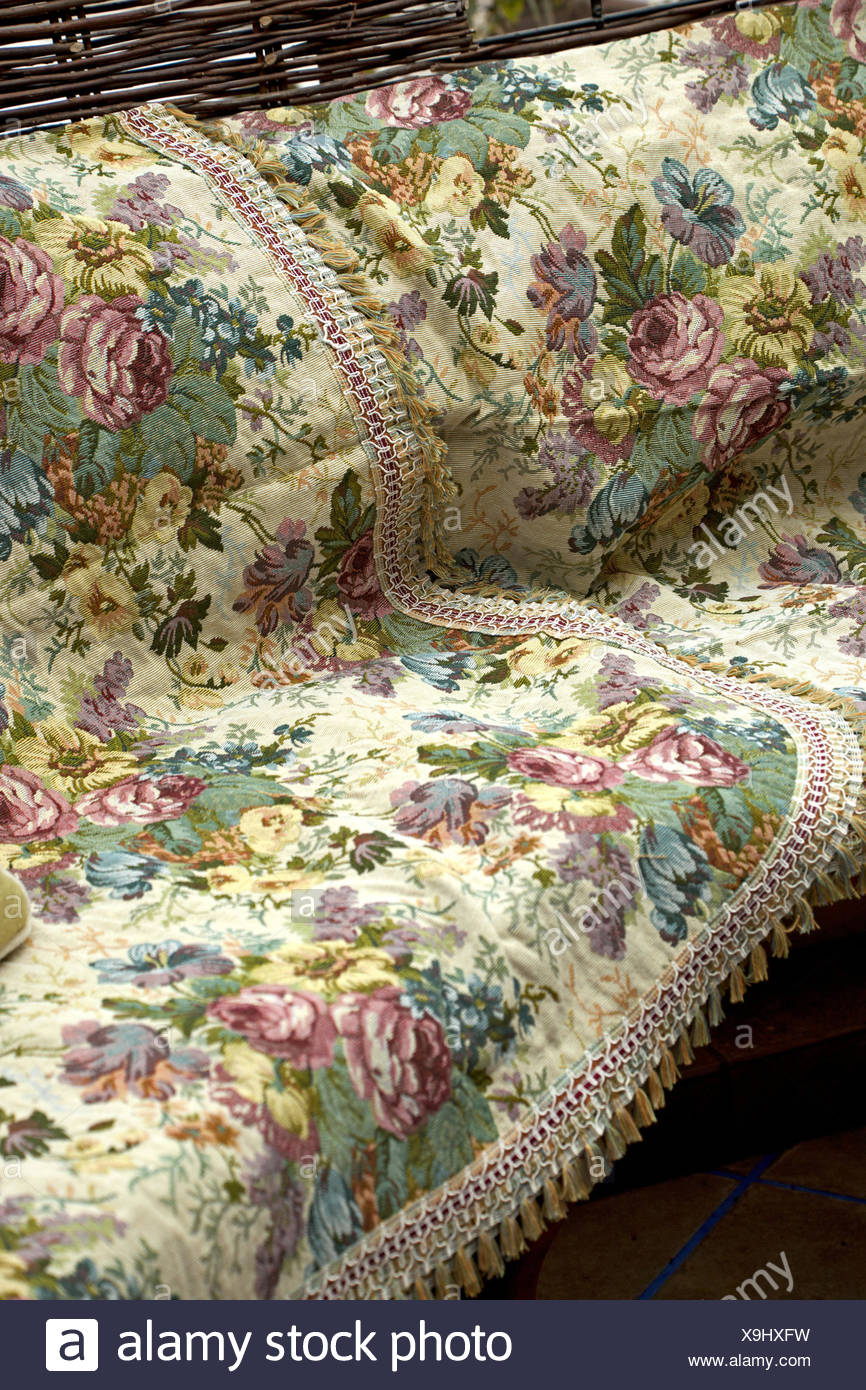 Sofa, Ceiling, Retro, Roses, Couch, Relaxation, Old Fashioned, Furniture,  Cushion, Sitting, Seating Furniture, Bench, Flower Cloth,