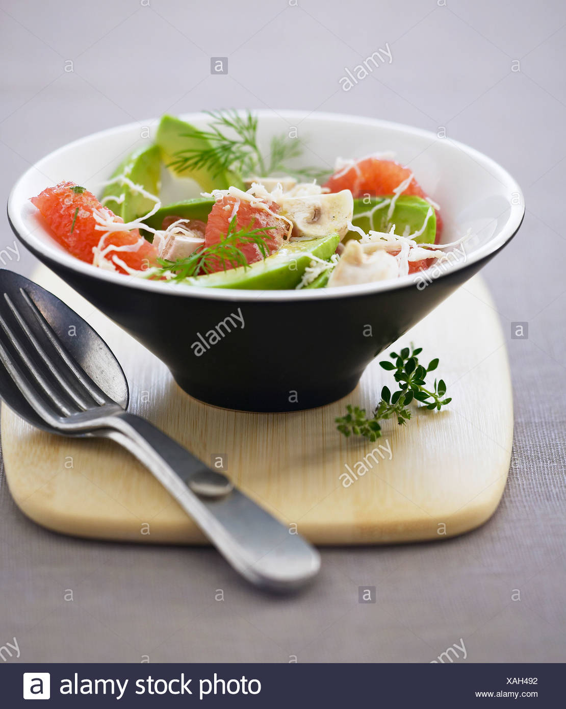 Variations of salad with mushrooms and crab sticks: recipes with photos 80