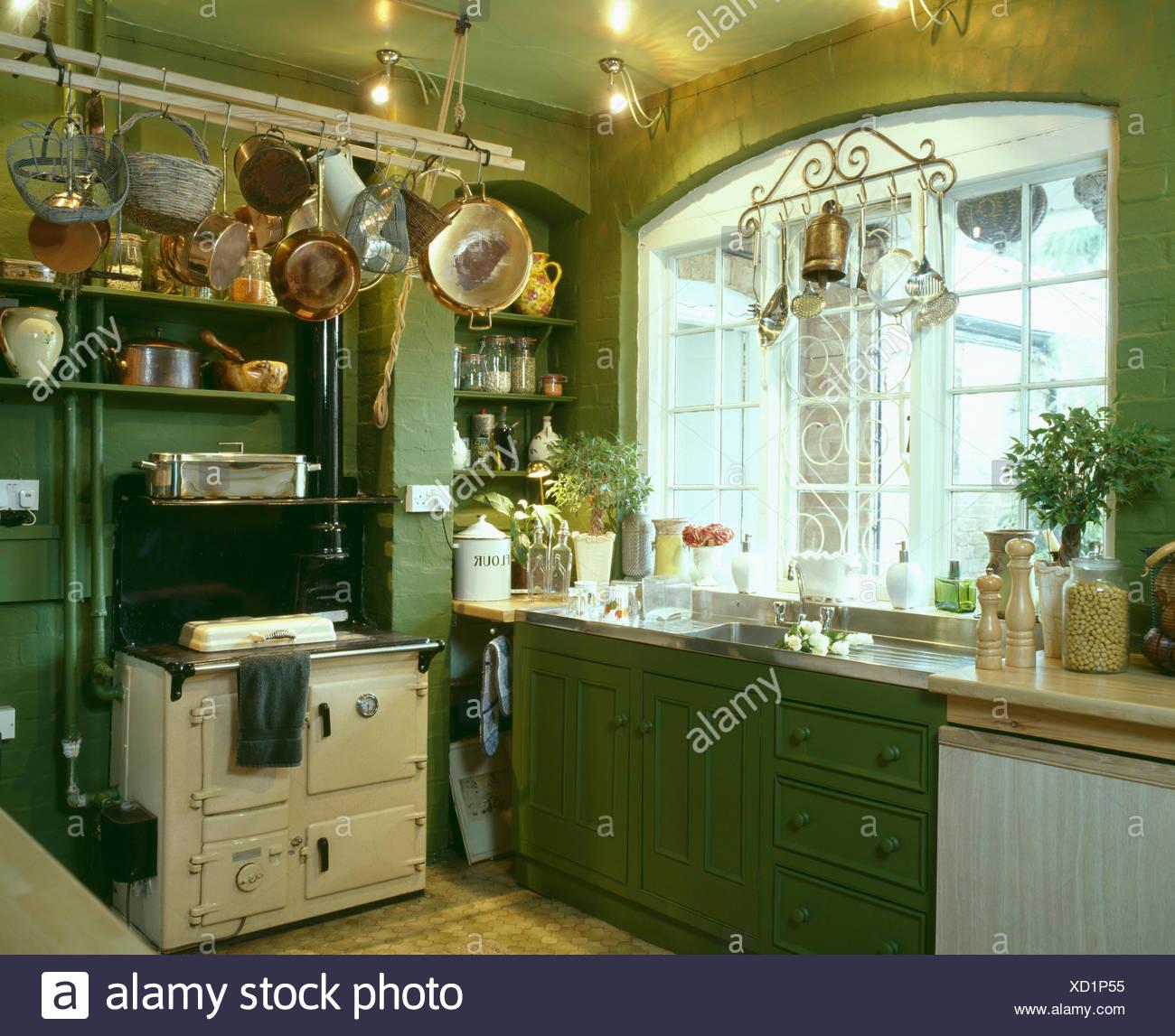 BatteriedeCuisine Above Cream Aga Oven In Traditional Green - Cuisine aga