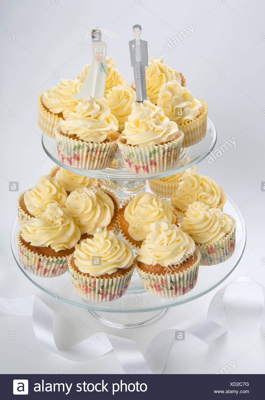 Wedding cupcakes buttercream on tiered cake stand Stock Photo ...