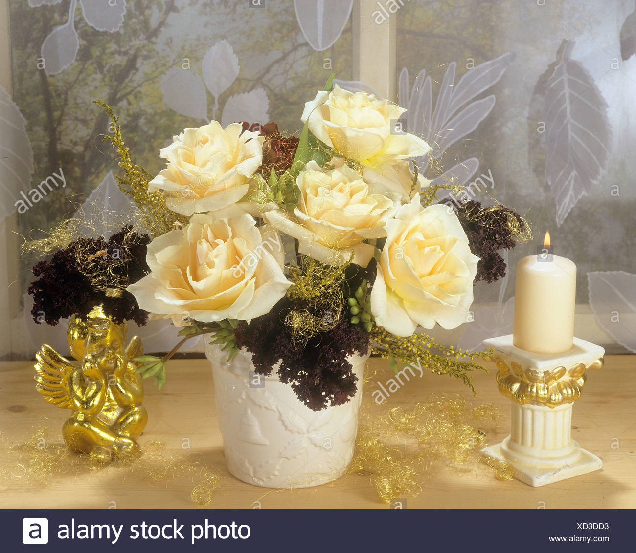 Christmas Arrangement With Yellow Roses Stock Photo 283432831 Alamy