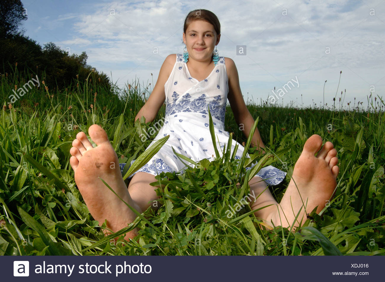 Girls bare feet pictures
