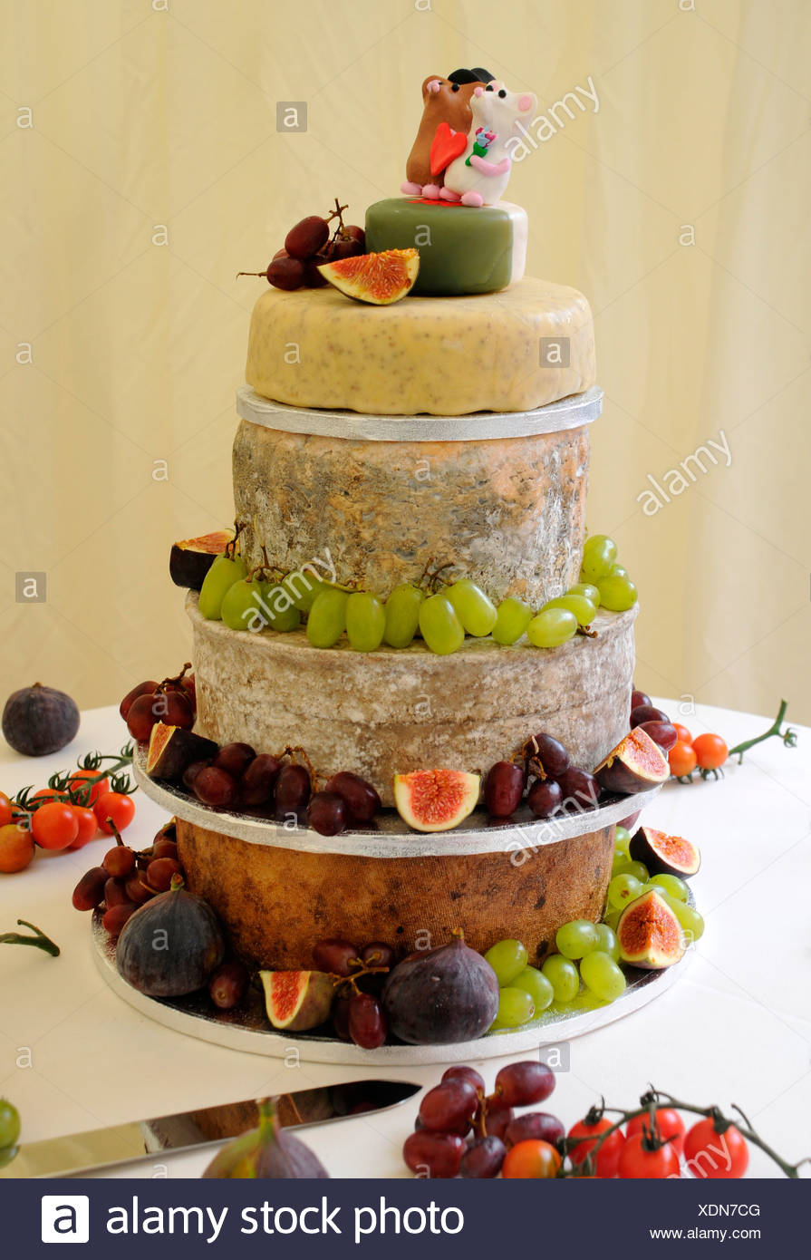 CHEESE CELEBRATION WEDDING CAKE Stock Photo: 283823248 - Alamy