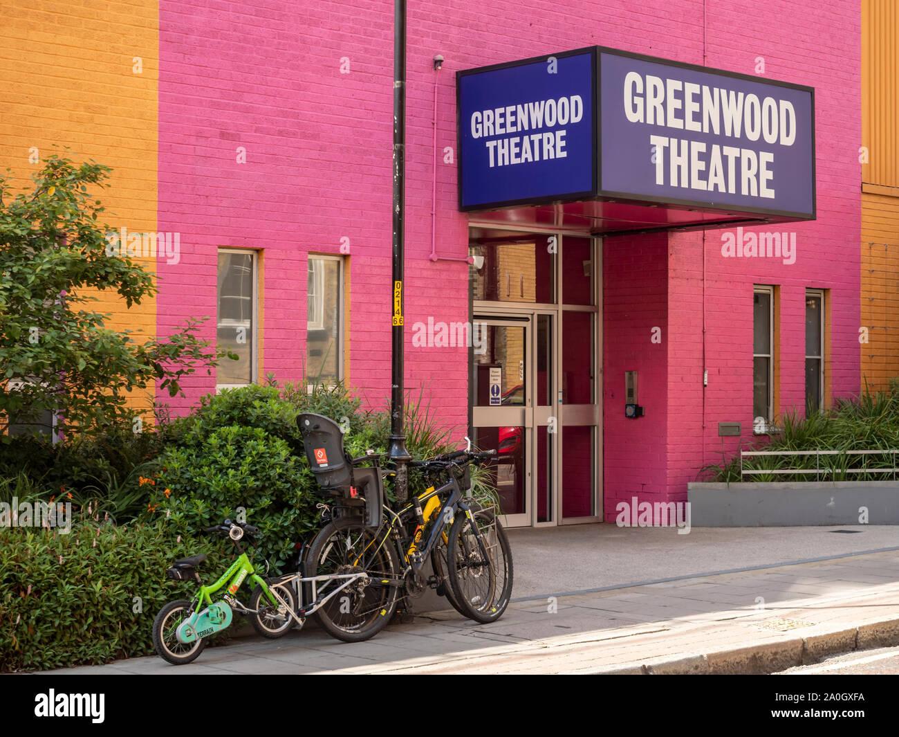 SOUTHWARK, LONDON: Greenwood Theater in Weston Street des King's College vermietet Stockfoto