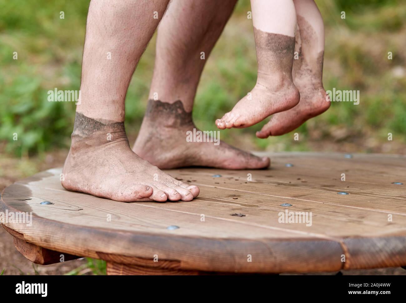 Schmutzige Füße Reinigung Sklave