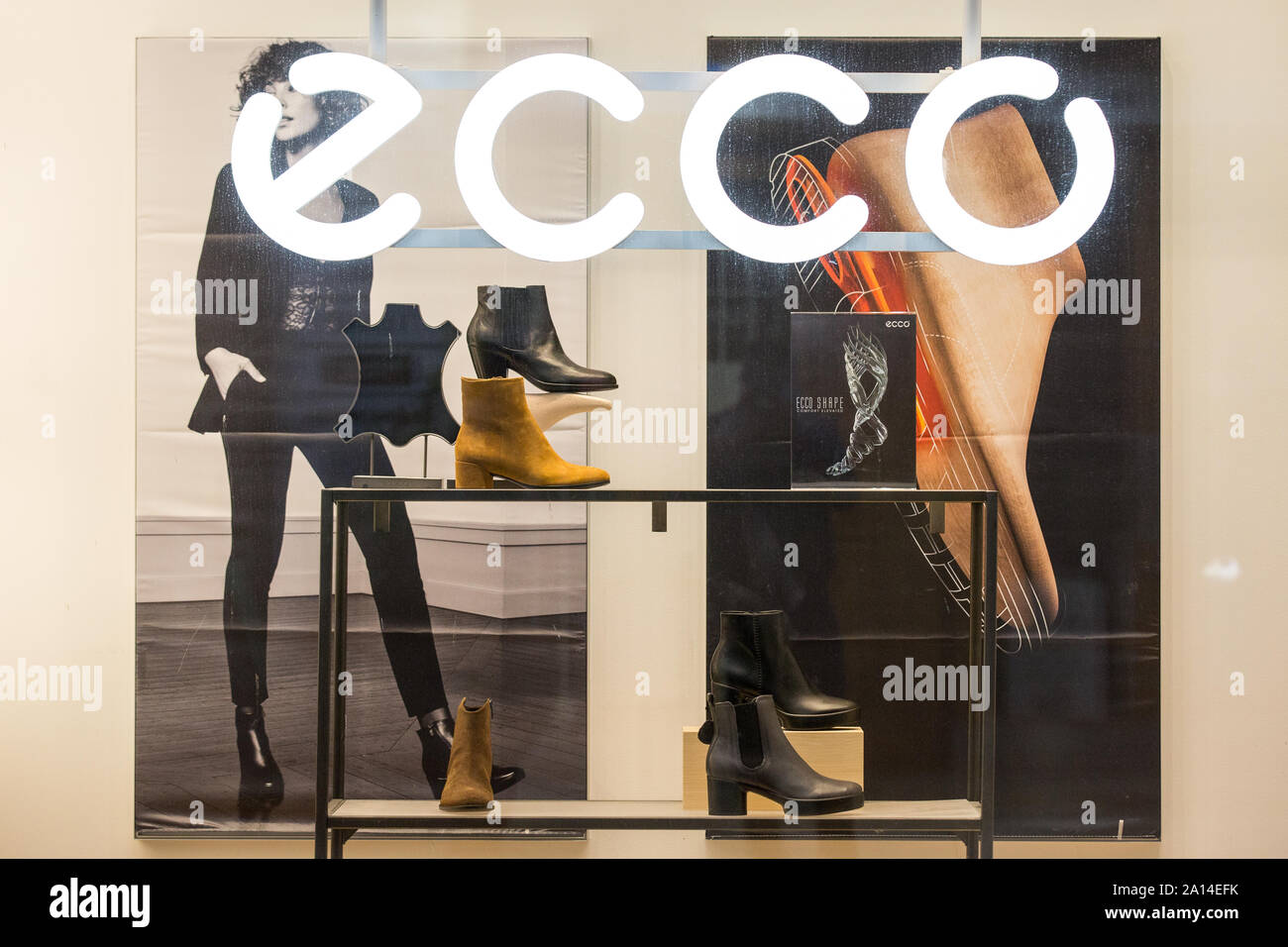 Shoe house Ecco, Tauentzien, Charlottenburg, Berlin, Germany