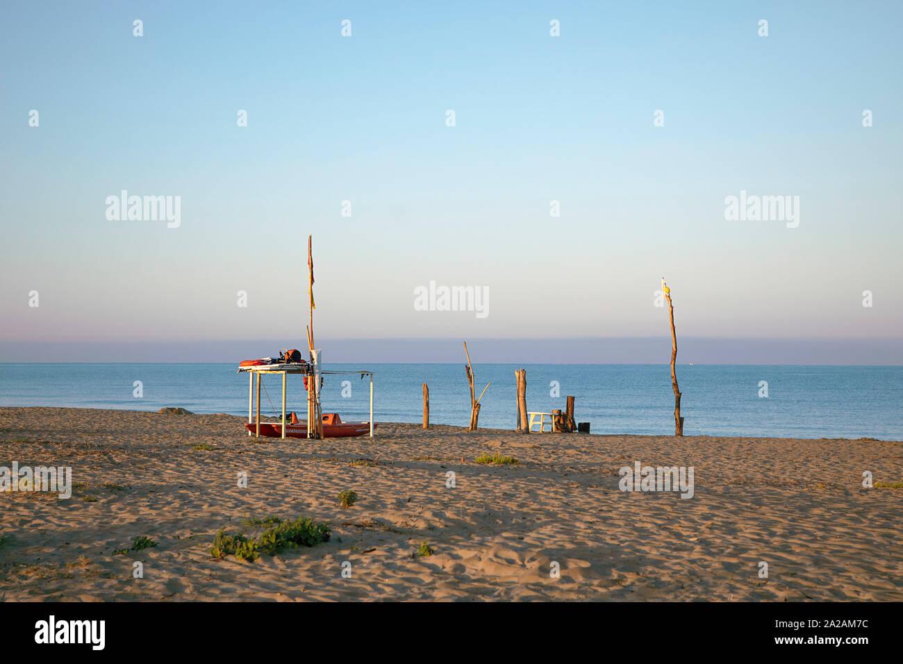 Am strand mit ständer